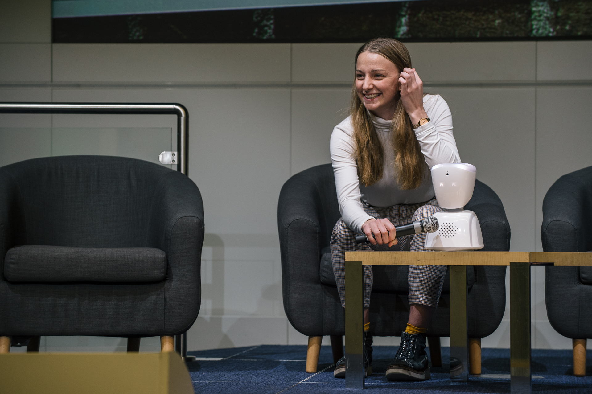 No isolation robot on stage at TechShare Pro