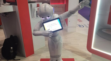 Robot dabbing at the BETT conference 2017, photo credit BBC